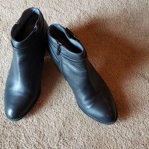 Vioniv black ankle boots size 8.5